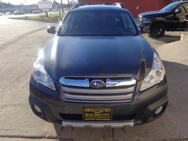 2013 Subaru Outback 2.5i Limited - Photo 2 - Cincinnati, OH 45255