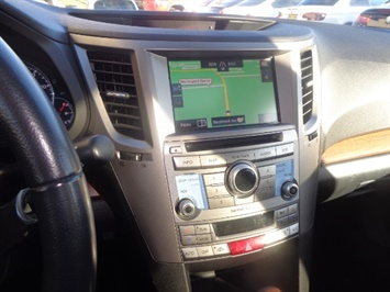 2013 Subaru Outback 2.5i Limited - Photo 18 - Cincinnati, OH 45255