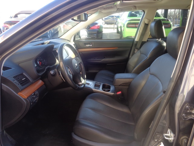 2013 Subaru Outback 2.5i Limited - Photo 7 - Cincinnati, OH 45255