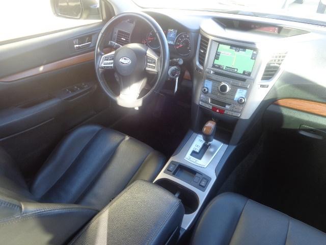 2013 Subaru Outback 2.5i Limited - Photo 12 - Cincinnati, OH 45255