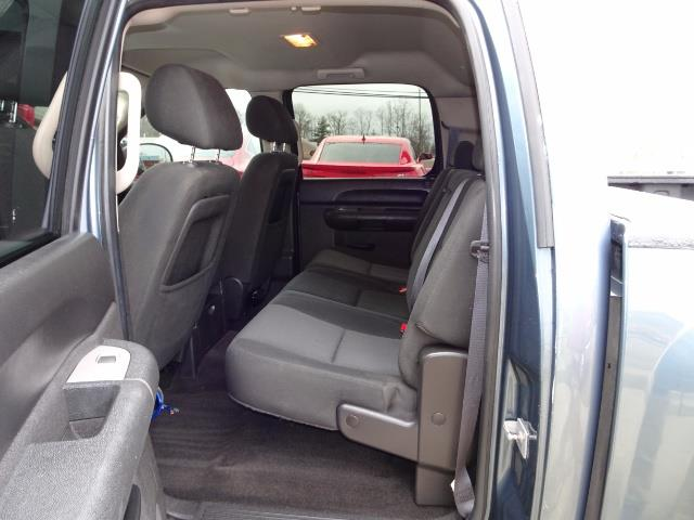 2011 Chevrolet Silverado 1500 LT - Photo 8 - Cincinnati, OH 45255