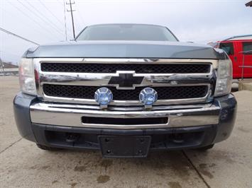 2011 Chevrolet Silverado 1500 LT - Photo 2 - Cincinnati, OH 45255