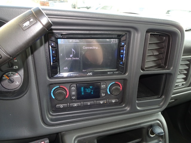 2006 GMC Sierra 2500 SLT 4dr Crew Cab - Photo 17 - Cincinnati, OH 45255