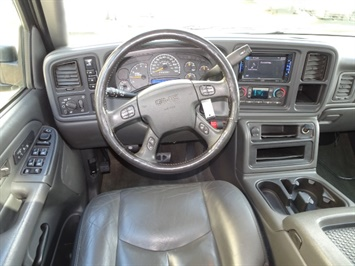 2006 GMC Sierra 2500 SLT 4dr Crew Cab - Photo 6 - Cincinnati, OH 45255