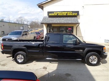 2006 GMC Sierra 2500 SLT 4dr Crew Cab - Photo 2 - Cincinnati, OH 45255