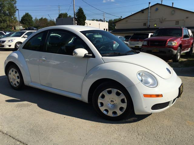 2010 Volkswagen Beetle - Photo 10 - Cincinnati, OH 45255
