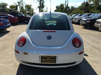 2010 Volkswagen Beetle - Photo 5 - Cincinnati, OH 45255
