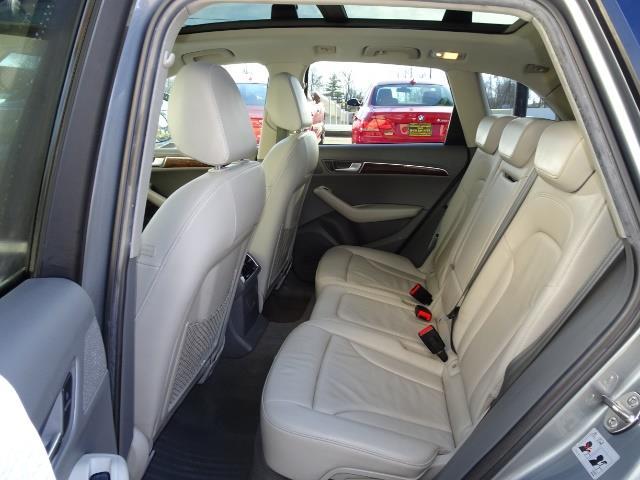 2010 Audi Q5 3.2 quattro Premium Plus - Photo 8 - Cincinnati, OH 45255