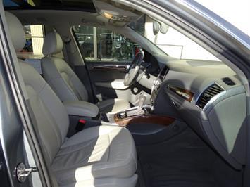 2010 Audi Q5 3.2 quattro Premium Plus - Photo 13 - Cincinnati, OH 45255