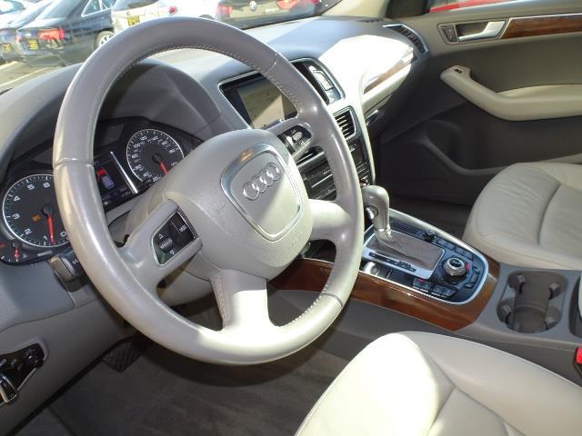 2010 Audi Q5 3.2 quattro Premium Plus - Photo 7 - Cincinnati, OH 45255