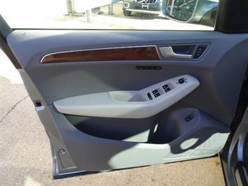2010 Audi Q5 3.2 quattro Premium Plus - Photo 24 - Cincinnati, OH 45255