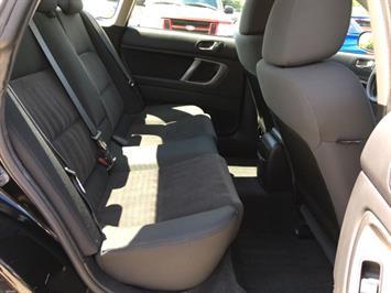 2009 Subaru Legacy 2.5i Special Edition - Photo 9 - Cincinnati, OH 45255