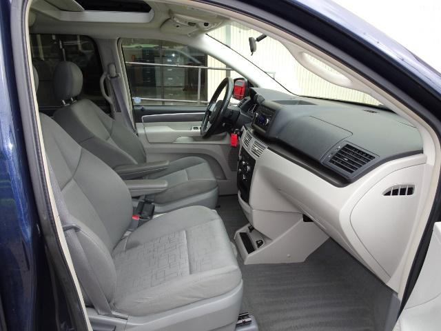 2009 Volkswagen Routan SE - Photo 13 - Cincinnati, OH 45255