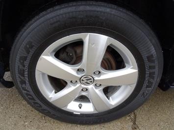 2009 Volkswagen Routan SE - Photo 28 - Cincinnati, OH 45255