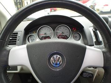 2009 Volkswagen Routan SE - Photo 16 - Cincinnati, OH 45255
