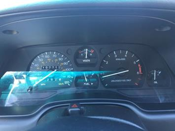 1995 Ford Thunderbird LX - Photo 16 - Cincinnati, OH 45255