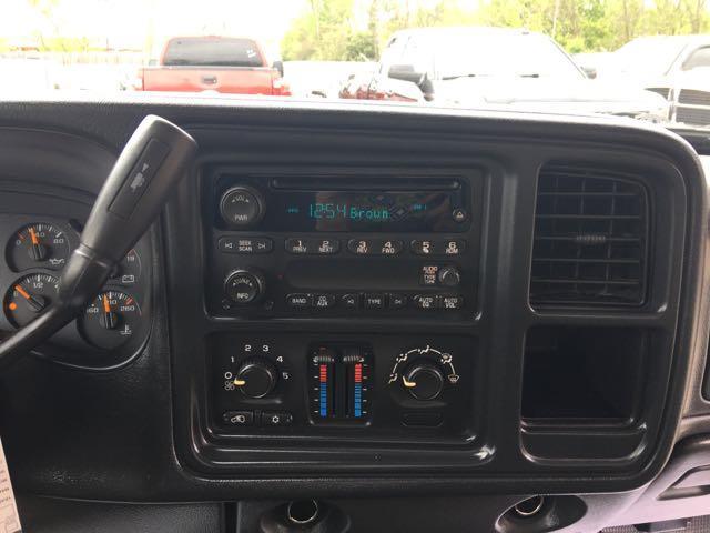2006 Chevrolet Silverado 1500 LS 2dr Regular Cab - Photo 15 - Cincinnati, OH 45255