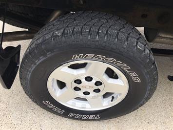 2006 Chevrolet Silverado 1500 LS 2dr Regular Cab - Photo 23 - Cincinnati, OH 45255