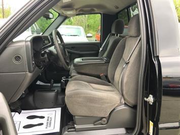 2006 Chevrolet Silverado 1500 LS 2dr Regular Cab - Photo 14 - Cincinnati, OH 45255