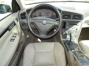 2006 Volvo S60 T5 - Photo 6 - Cincinnati, OH 45255