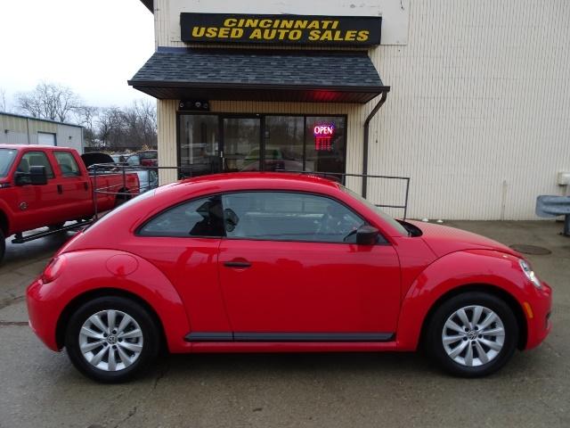 2015 Volkswagen Beetle-Classic 1.8T Classic PZEV - Photo 3 - Cincinnati, OH 45255
