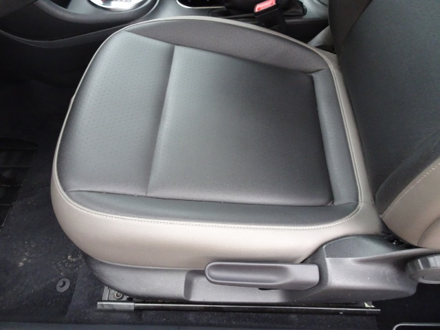 2015 Volkswagen Beetle-Classic 1.8T Classic PZEV - Photo 23 - Cincinnati, OH 45255