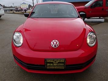 2015 Volkswagen Beetle-Classic 1.8T Classic PZEV - Photo 2 - Cincinnati, OH 45255