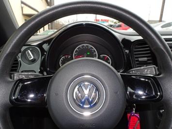 2015 Volkswagen Beetle-Classic 1.8T Classic PZEV - Photo 18 - Cincinnati, OH 45255