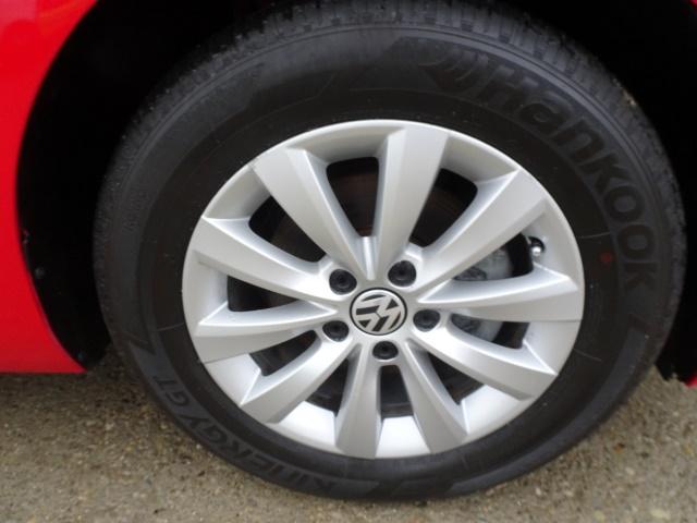 2015 Volkswagen Beetle-Classic 1.8T Classic PZEV - Photo 31 - Cincinnati, OH 45255
