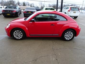 2015 Volkswagen Beetle-Classic 1.8T Classic PZEV - Photo 13 - Cincinnati, OH 45255