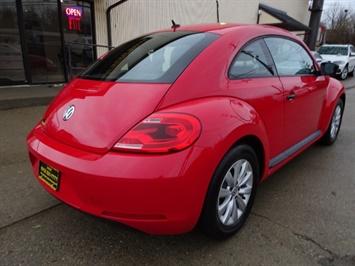 2015 Volkswagen Beetle-Classic 1.8T Classic PZEV - Photo 5 - Cincinnati, OH 45255