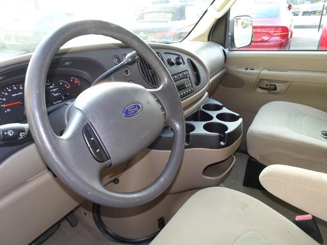 2008 Ford E-Series Van E-350 SD XLT - Photo 6 - Cincinnati, OH 45255