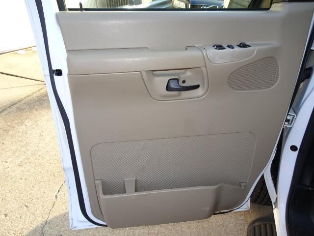 2008 Ford E-Series Van E-350 SD XLT - Photo 24 - Cincinnati, OH 45255