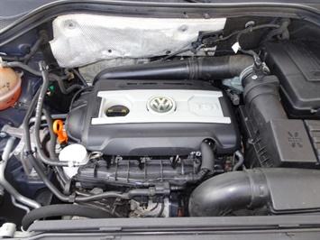 2009 Volkswagen Tiguan SEL 4Motion - Photo 29 - Cincinnati, OH 45255