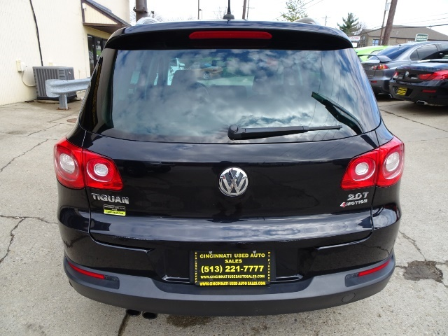 2009 Volkswagen Tiguan SEL 4Motion - Photo 5 - Cincinnati, OH 45255