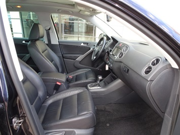 2009 Volkswagen Tiguan SEL 4Motion - Photo 13 - Cincinnati, OH 45255