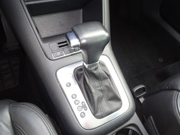 2009 Volkswagen Tiguan SEL 4Motion - Photo 17 - Cincinnati, OH 45255