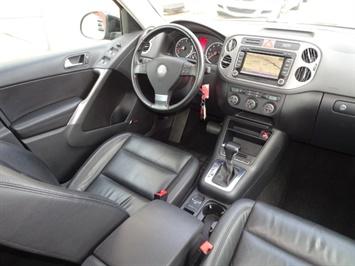 2009 Volkswagen Tiguan SEL 4Motion - Photo 12 - Cincinnati, OH 45255