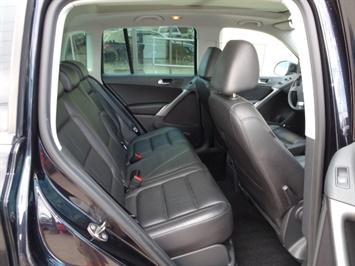 2009 Volkswagen Tiguan SEL 4Motion - Photo 14 - Cincinnati, OH 45255