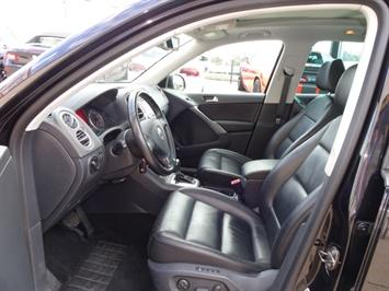 2009 Volkswagen Tiguan SEL 4Motion - Photo 7 - Cincinnati, OH 45255
