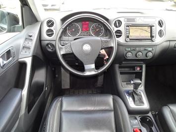 2009 Volkswagen Tiguan SEL 4Motion - Photo 6 - Cincinnati, OH 45255