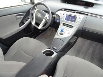 2014 Toyota Prius Two - Photo 12 - Cincinnati, OH 45255