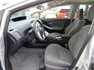 2014 Toyota Prius Two - Photo 7 - Cincinnati, OH 45255