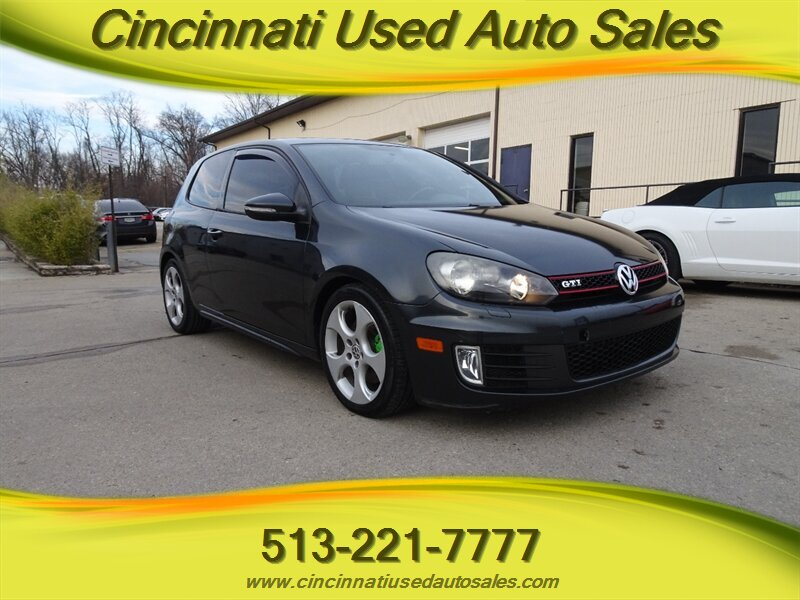 2010 Volkswagen GTI Base PZEV photo