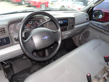 2004 Ford F-250 Super Duty XLT 2dr Standard Cab - Photo 6 - Cincinnati, OH 45255