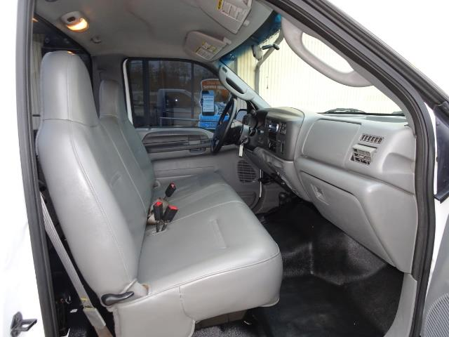 2004 Ford F-250 Super Duty XLT 2dr Standard Cab - Photo 13 - Cincinnati, OH 45255