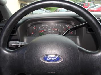 2004 Ford F-250 Super Duty XLT 2dr Standard Cab - Photo 15 - Cincinnati, OH 45255
