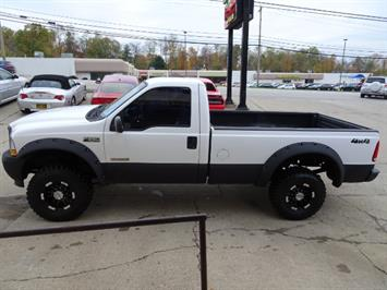 2004 Ford F-250 Super Duty XLT 2dr Standard Cab - Photo 10 - Cincinnati, OH 45255