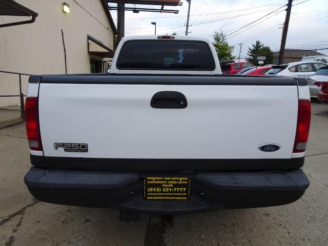 2004 Ford F-250 Super Duty XLT 2dr Standard Cab - Photo 4 - Cincinnati, OH 45255