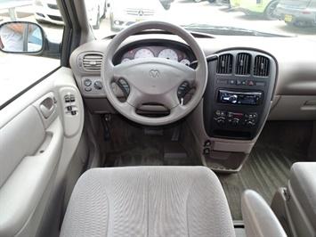 2002 Dodge Grand Caravan eX - Photo 6 - Cincinnati, OH 45255